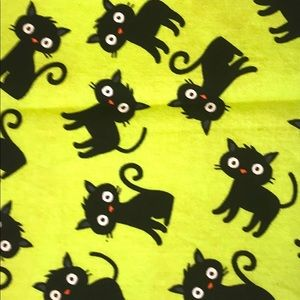 Accessories - Face Mask - Black Cats on Green